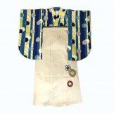 着物:よろこび青 / 袴:スノー99