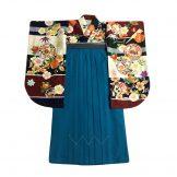 着物:鞠と小槌 / 袴:美桜青緑91